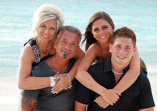 long-island-medium-family-4